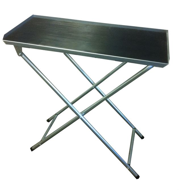 folding table with rubber mat